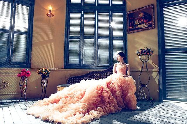 dlouhé svatební šaty.jpg
