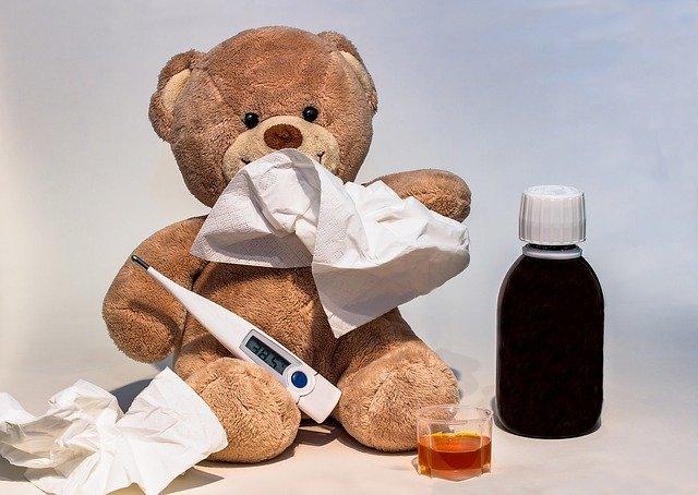 Medvídek s léky a teploměrem
