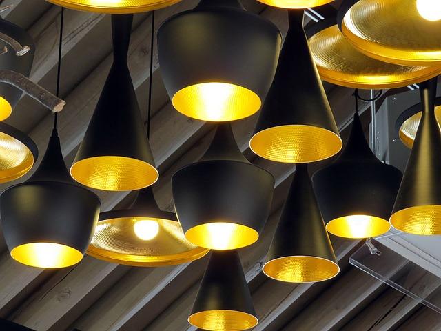 černá stropní svítidla
