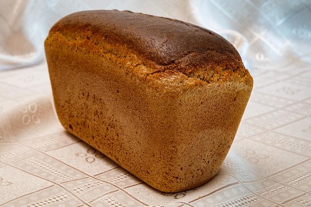 chleba z domácí pekárny